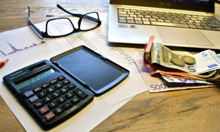 Mendatangkan uang dengan aplikasi komputer