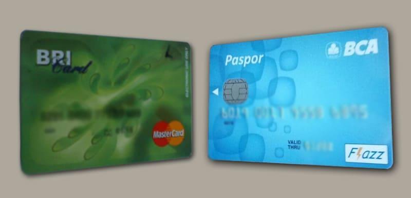 Kartu ATM BRI Classic dan ATM BCA Blue (2018) .jpg