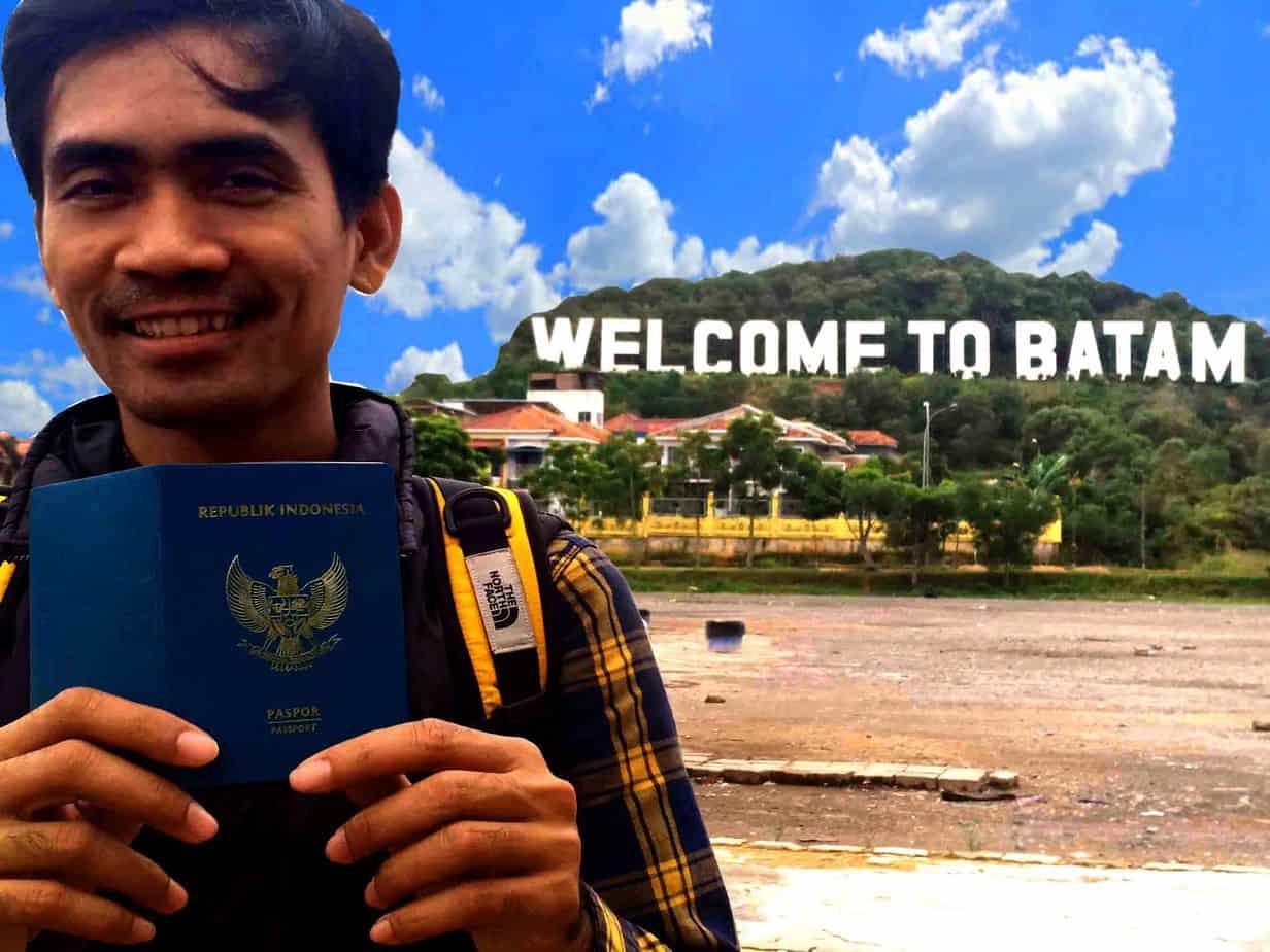 membuat paspor di Batam.jpg