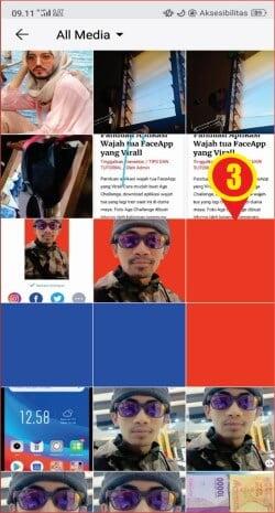 memilih latar warna merah dengan FaceApp.jpg